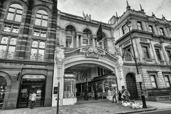 Burlington Arcade entrance 1911 and 1931