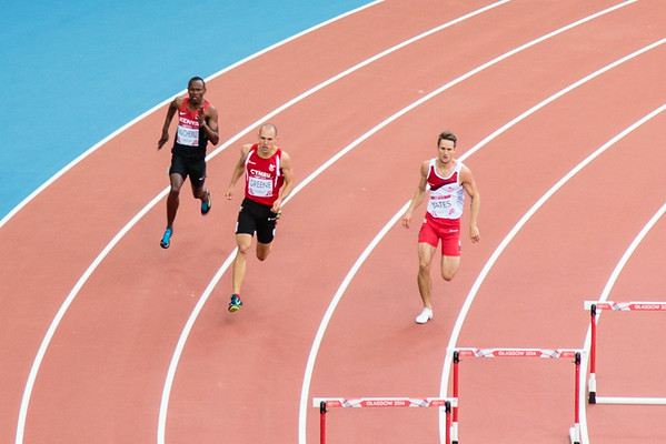 Mens 400m hurdles Dai Greene about to crash out